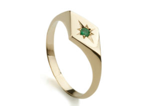 Ellie Air yellow gold and emerald Kite signet ring