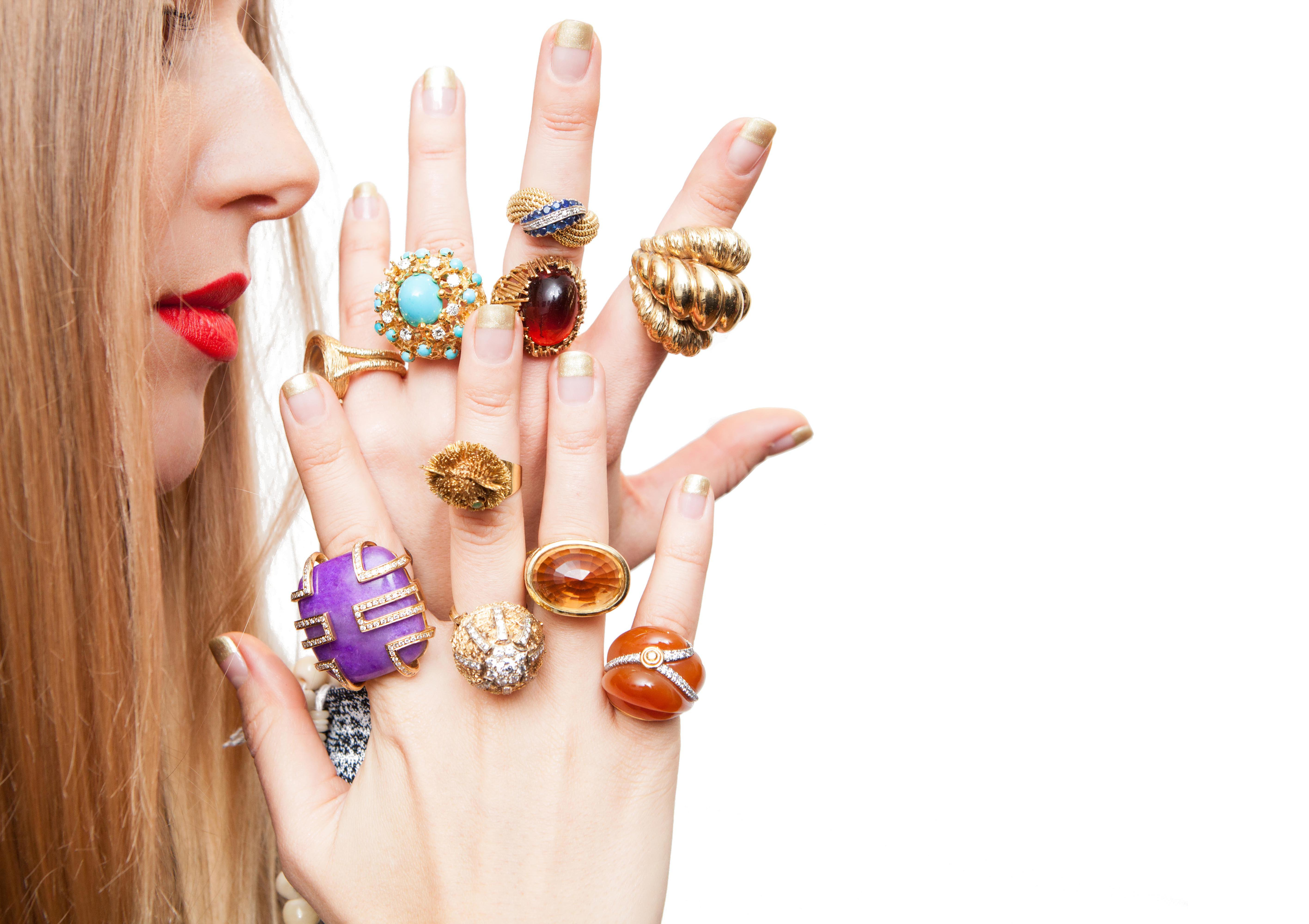 Liza Urla of Gemologue will share her jewellery styling tips with a select audience at The Jewellery Cut Live