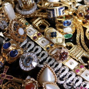 A selection of vintage jewels sourced by Baroque Rocks