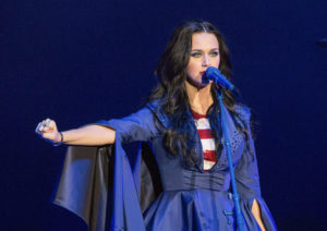 Katy Perry wearing her owl ring made by Andrey Yarden
