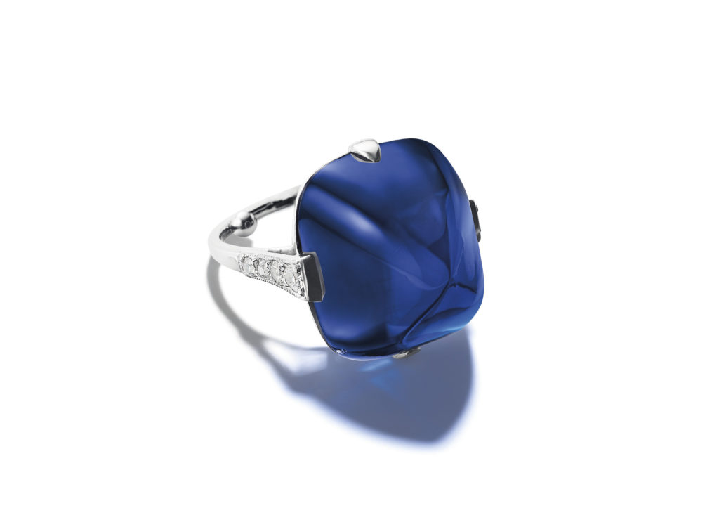 Belle Époque Kashmir sapphire and diamond ring of 30.14cts