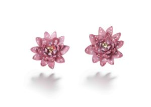 Suzanne Syz pink titanium flower earrings set with diamonds