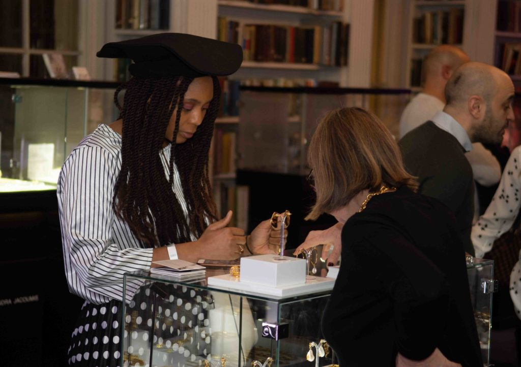 Kassandra Lauren Gordon viewing the jewellery of Deborah Blyth at The Jewellery Cut Live in February 2020