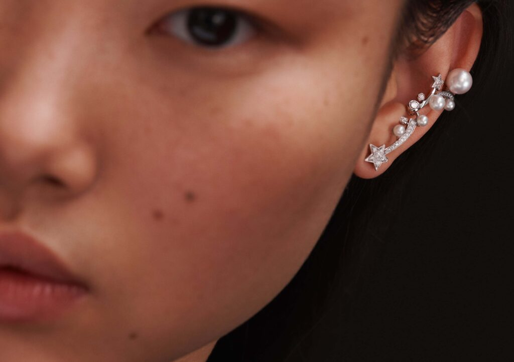 Chanel gold, diamond and pearl Comète Perlée earring