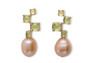 Maviada 18ct gold, pearl and peridot Cavallo Cascade Midi earrings