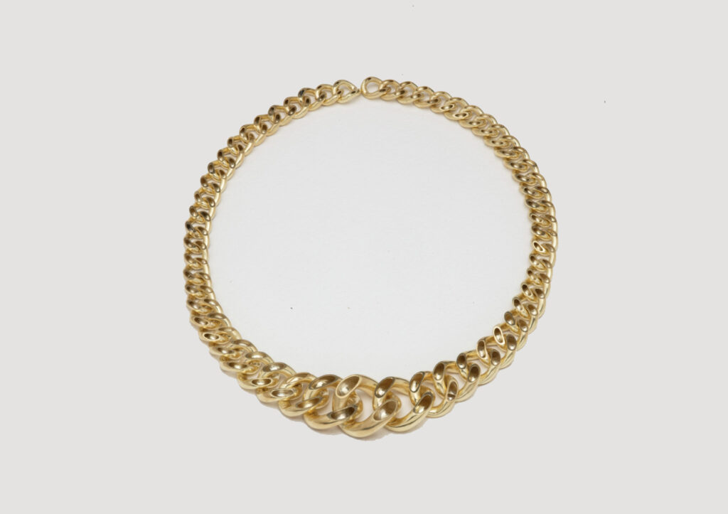 Lucie Gledhill, Hollow Gold Curb Chain