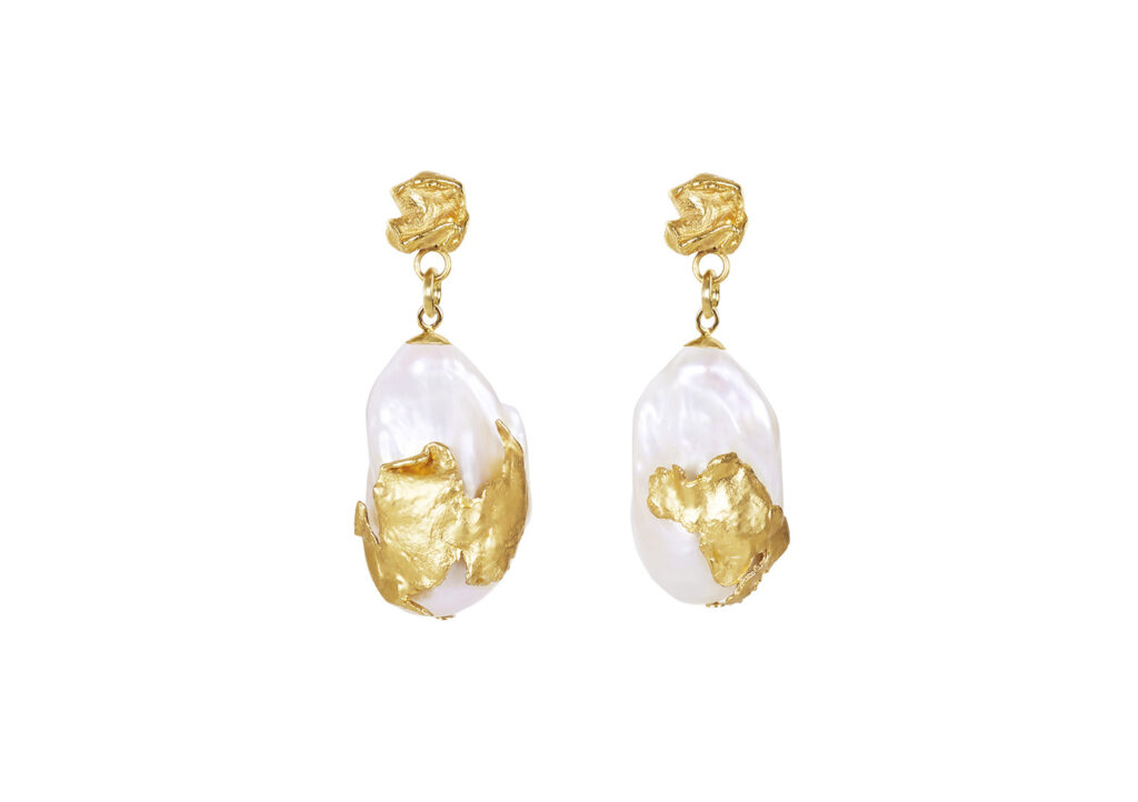 Deborah Blyth Cordelia baroque pearl drop earrings at The Jewellery Cut Shop