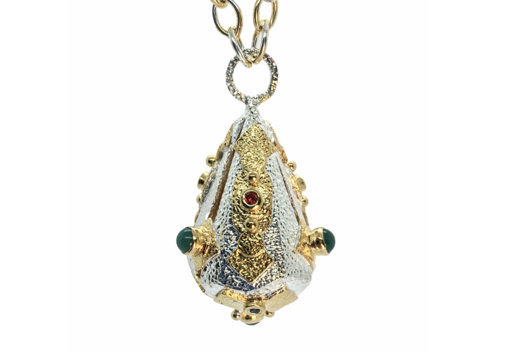 KAB pendant