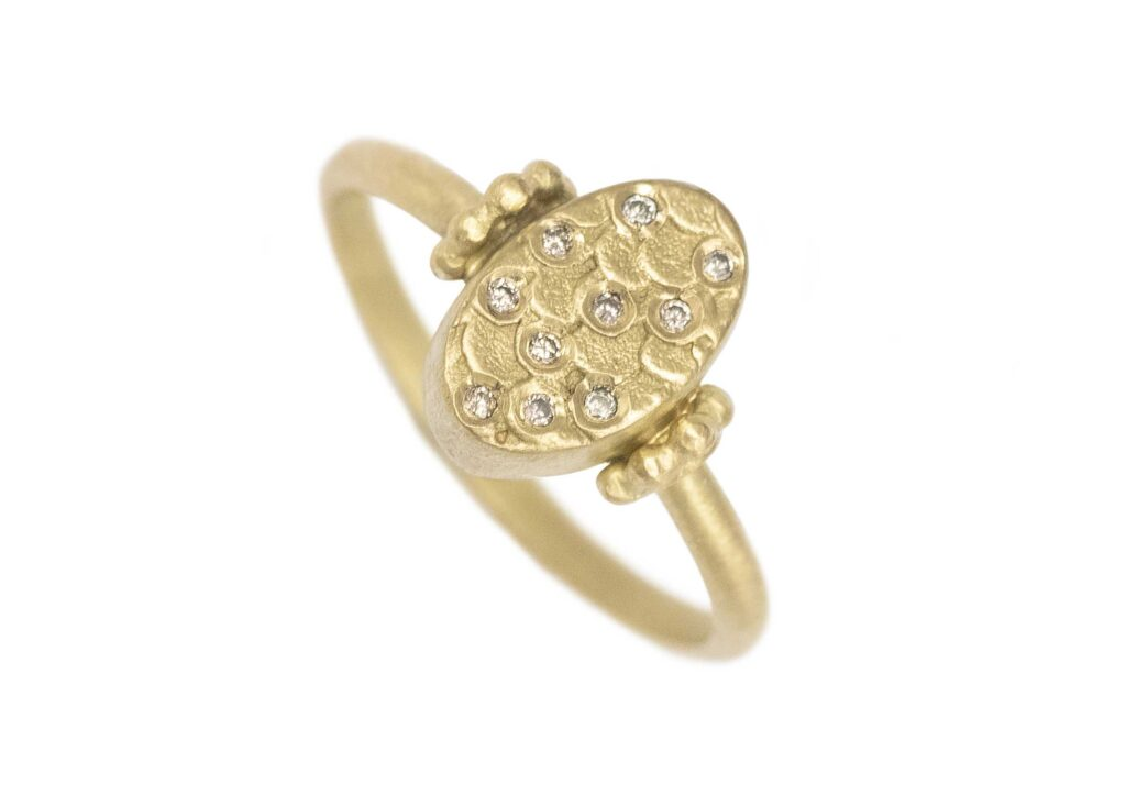 Alison Macleod Catkin Oval Ring with Diamond Scatter ring