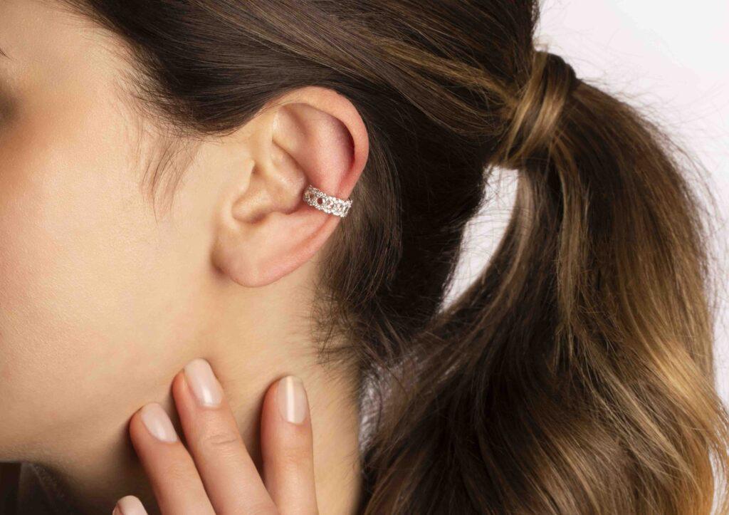 David Morris Rose Cut Diamond Flexi Ear Cuff with 0.72ct rose cut and pavé white diamonds, set in 18ct white gold.
