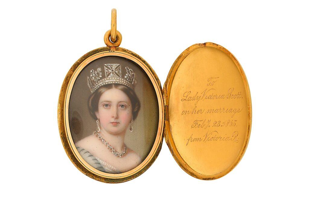 Cheffins antique Queen Victoria locket