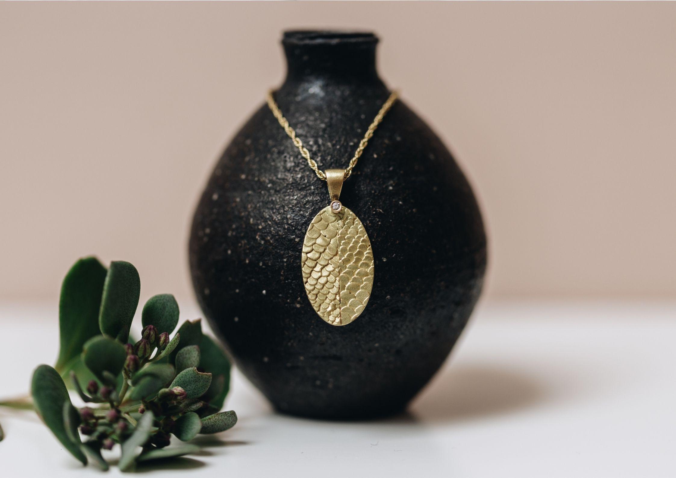 Alison Macleod sustainable gold jewellery